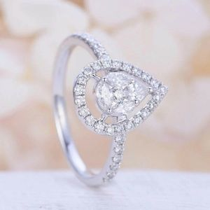 New 925 Silver Pear Cut White Sapphire Ring
